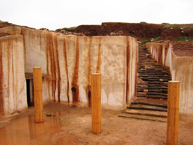 http://www.homsonline.com/images/Ebla/Ebla_Excavation2.jpg